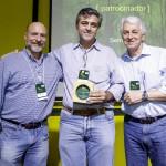 Pedro Cipollari, da Sem Parar, (centro), com Roberto Klabin (esq.) e Pedro Passos (dir.).
