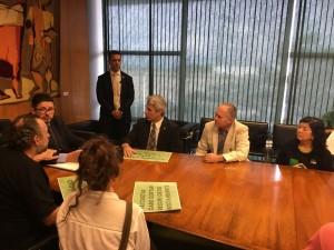Deputado Molon e organizações entregam estudo do WWF-Brasil ao deputado Fábio Ramalho, presidente da Câmara em exercício